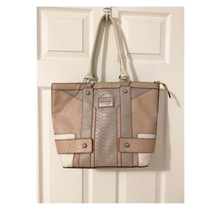 'Guess Tote'